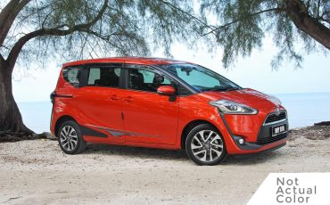 Toyota Sienta – Avail Nov 22nd (Hybrid)